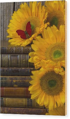 Sunflowers And Old Books Wood Print
