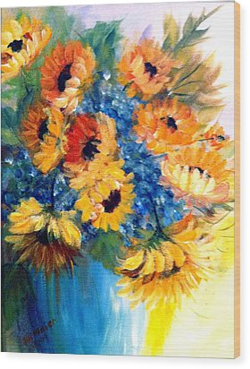 Sunflowers In A Vase Wood Print by Dorothy Maier