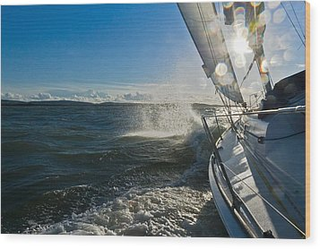 Sunlit Bow Spray Wood Print by Gary Eason