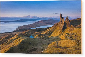 Sunrise And The Moon Over The Old Man Of Storr Wood Print by Maciej Markiewicz