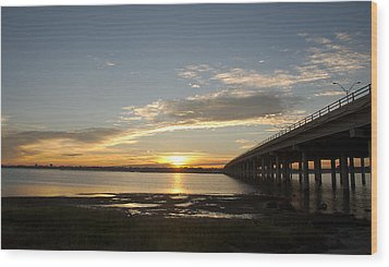 Sunrise At Corpus Christi Wood Print