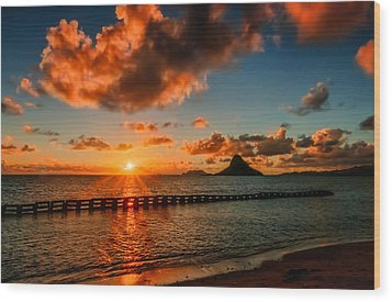 Sunrise At Hawaii Chainaman's Hat Wood Print
