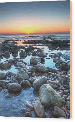 Sunrise At Low Tide Wood Print