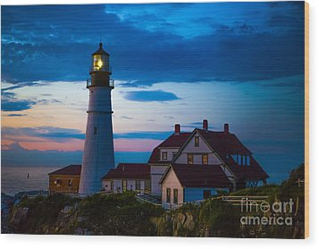 Sunrise At Portland Head Lighthouse Wood Print