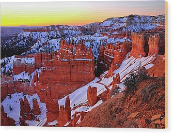 Wood Print featuring the photograph Sunrise At Sunset Point by Dan Myers