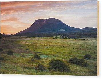 Sunrise At The Horseshoe Park Of The Colorado Rockies Wood Print by Ellie Teramoto