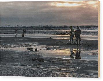 Sunrise Clam Tide Wood Print by Nichon Thorstrom