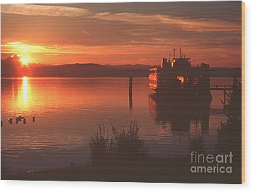 Sunrise Ferry Wood Print by Jeanette French