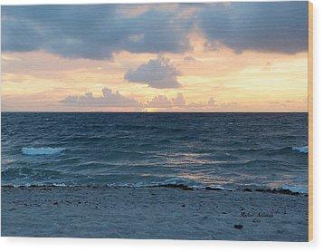 Wood Print featuring the photograph Sunrise In Deerfield Beach by Rafael Salazar