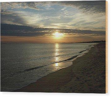 Sunrise In Norfolk Va Wood Print by Susan Savad