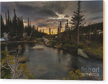 Sunrise In The Indian Peaks Wood Print by Steven Reed