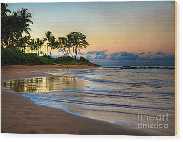 Sunrise Keawakapu Beach Wood Print by Kelly Wade