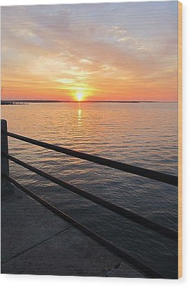 Sunrise On Charleston Sc Battery Wood Print by Joetta Beauford