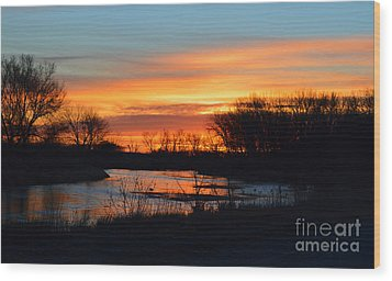 Sunrise On The River Wood Print by Renie Rutten