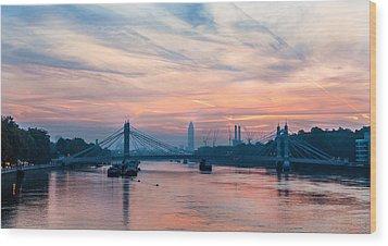 Sunrise Over London Wood Print