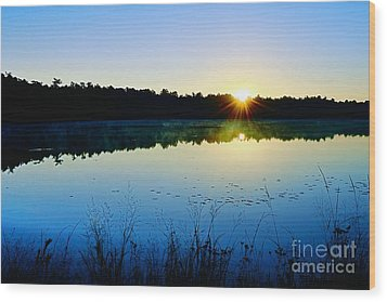 Sunrise Over The Lake Wood Print