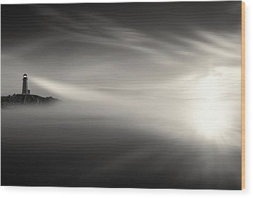 Sunrise Over The Sea Wood Print by Gary Smith