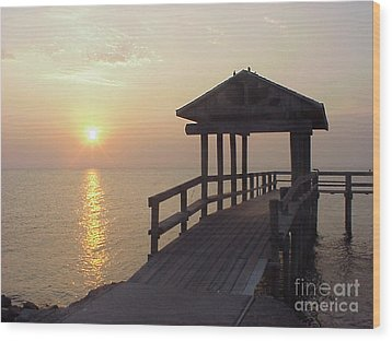 Sunrise Pier 1 Wood Print by D Wallace