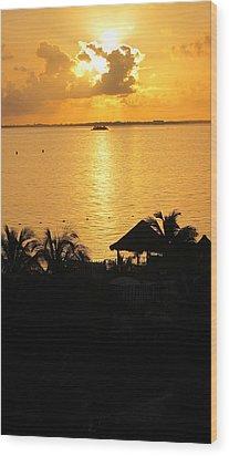 Sunrise Playa Mujeres Wood Print by Paula Brown