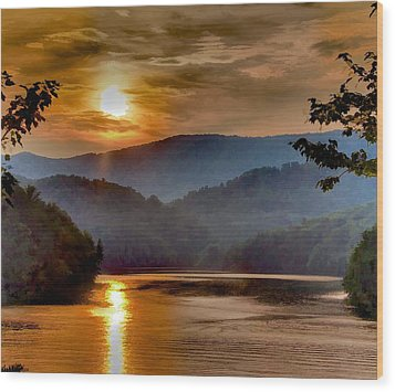 Sunset And Haze Wood Print by Tom Culver