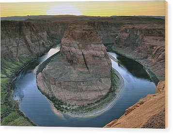 Sunset At Horseshoe Bend Wood Print by Dan Myers