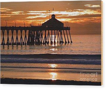 Sunset At Ib Pier Wood Print by Barbie Corbett-Newmin