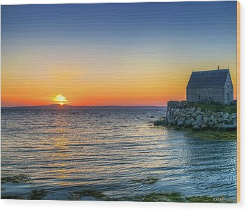 Sunset At Indian Harbour Wood Print