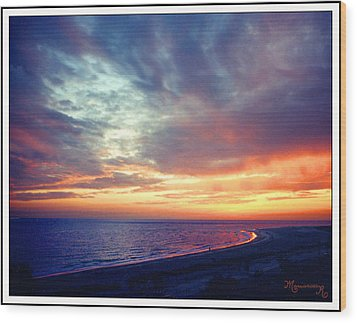 Wood Print featuring the photograph Sunset At Lido Key by Mariarosa Rockefeller