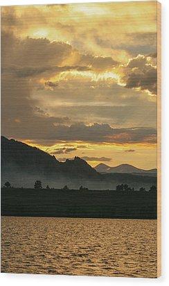 Smokey Sunset At Marshall Lake Wood Print