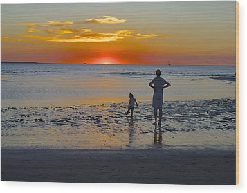 Sunset At Mindil Beach Wood Print by Venetia Featherstone-Witty