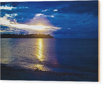 Sunset At Parksville Beach Wood Print by Christi Kraft