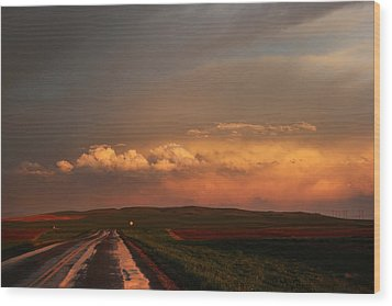 Wood Print featuring the photograph Sunset At Rockglen by Ryan Crouse
