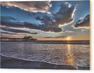 Sunset At Santa Monica. Wood Print