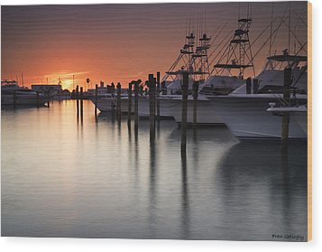 Sunset At The Pelican Yacht Club Wood Print