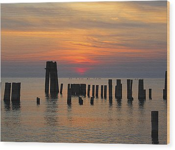 Wood Print featuring the photograph Sunset Cape Charles by Richard Reeve