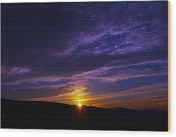 Sunset From Lyle Wa Wood Print by Jeff Swan