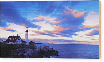 Sunset In Fork Williams Lighthouse Park Portland Maine State Wood Print by Paul Ge