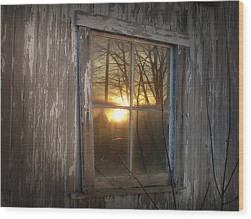 Sunset In Glass Wood Print by Cynthia Lassiter