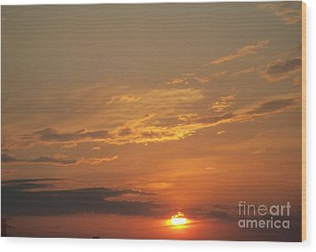 Wood Print featuring the photograph Sunset In St. Peters by Kelly Awad