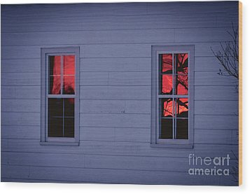 Sunset In The Windows Wood Print by Cheryl Baxter