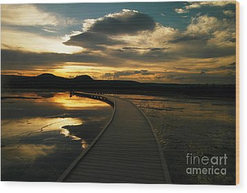 Sunset In Yellow Stone Wood Print by Jeff Swan