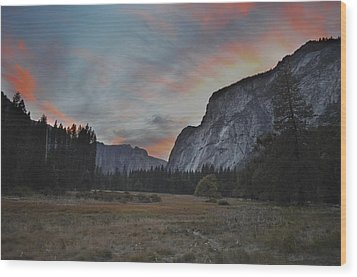 Sunset In Yosemite Valley Wood Print