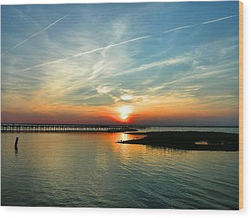 Sunset On Chincoteague Bay Wood Print by Steven Ainsworth