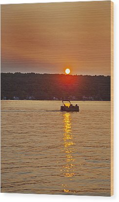 Boating Into The Sunset Wood Print