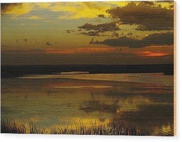 Sunset On Medicine Lake Wood Print by Jeff Swan