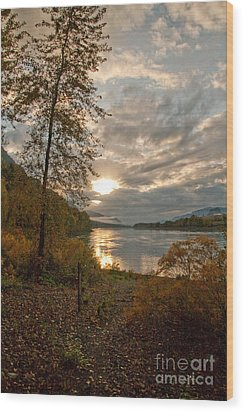 Sunset On The Columbia Wood Print by Cari Gesch