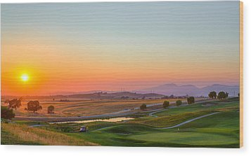 Sunset On The Greens Wood Print by Mike Lee