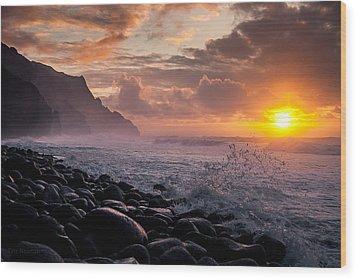 Sunset On The Kalalau Wood Print