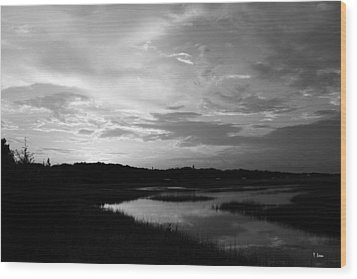 Sunset On The Marsh Wood Print by Thomas Leon