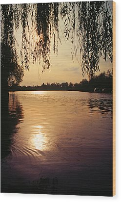 Sunset On The Thames Wood Print